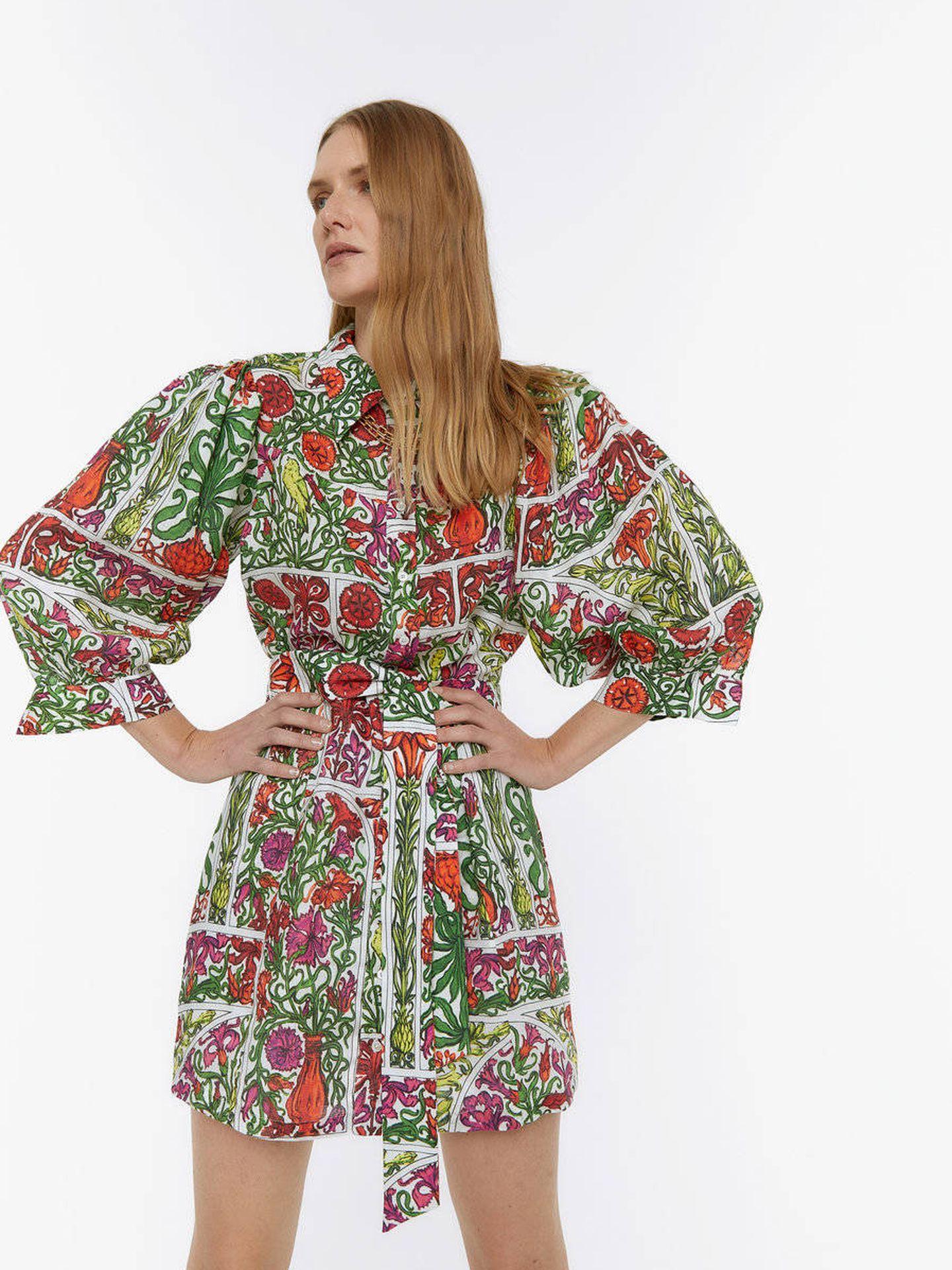 Un mini vestido de lino de Uterqüe. (Cortesía)
