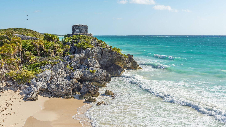 The maya ruins and beach of Tulum by the Caribbean Sea, Yucatan Peninsula, Mexico.