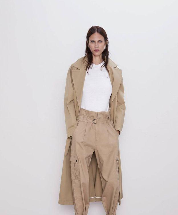 Foto: ¿Te apuntarás a la moda de los pantalones cargo? (Cortesía Zara)