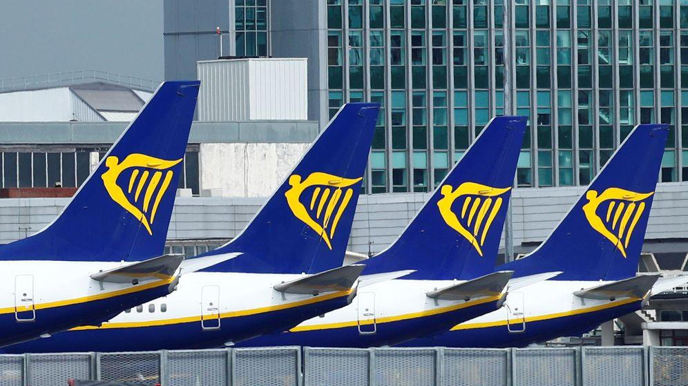 Foto: Varios aviones de Ryanair en el aeropuerto de Dublín (Reuters)