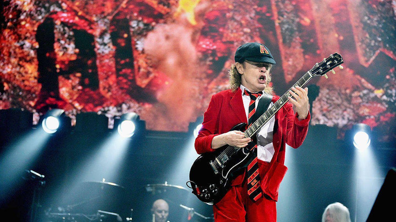 Angus Young de AC/DC (Foto de Mike Coppola/Getty Images).