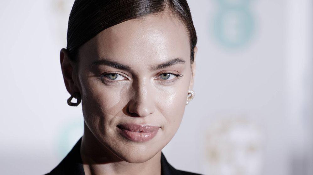 Foto: Irina Shayk siempre luce una piel ultrailuminada sin apenas maquillaje. (Getty)