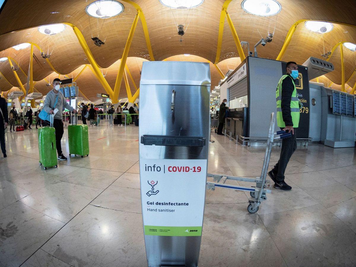 Foto: El Covid desplomó más de un 72% el tráfico en los aeropuertos de Aena