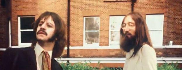 Foto: Lennon y Harrison resucitan en un anuncio del videojuego de los Beatles