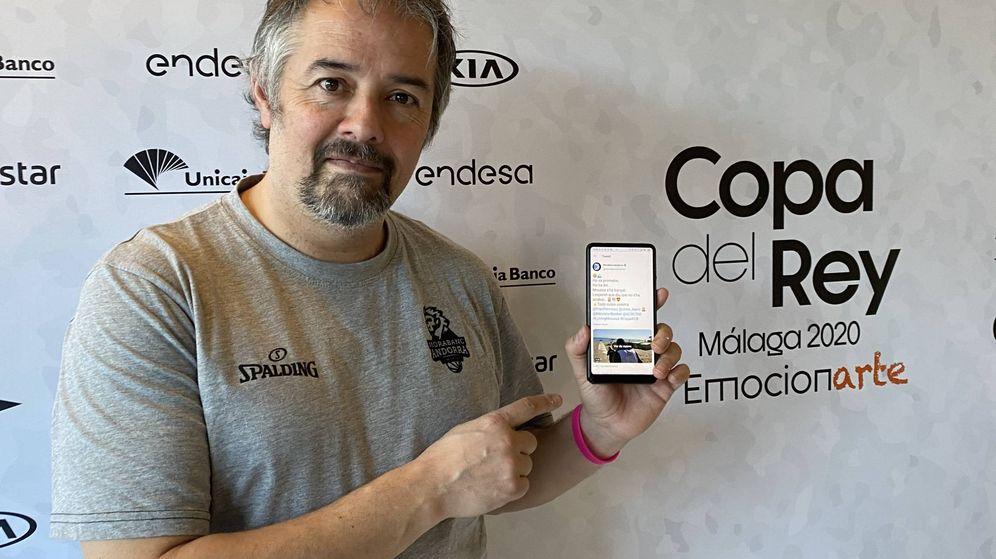 Foto: Gabriel Fernández, jefe de prensa del MoraBanc Andorra, en el hotel de concentración de su equipo en Torremolinos. (Foto: Agustín Rivera).