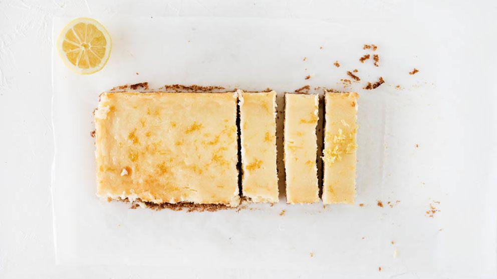 Vídeo-receta: barritas de tarta de queso y limón