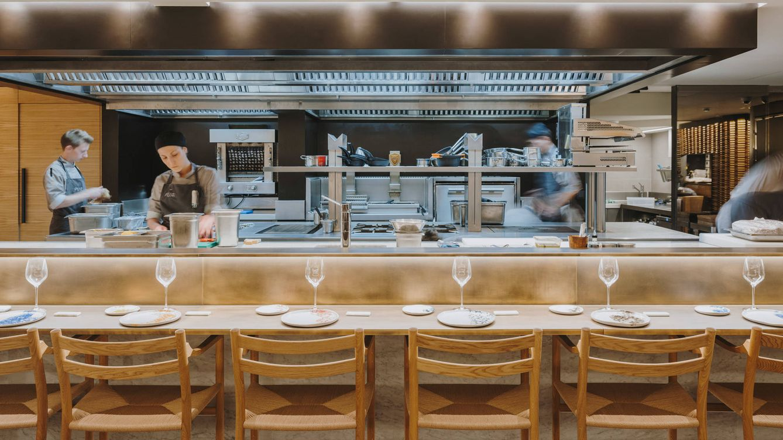 Foto: Situado en Barcelona, el nuevo espacio cuenta con materiales y procesos artesanales que homenajean la riqueza culinaria de Cataluña.