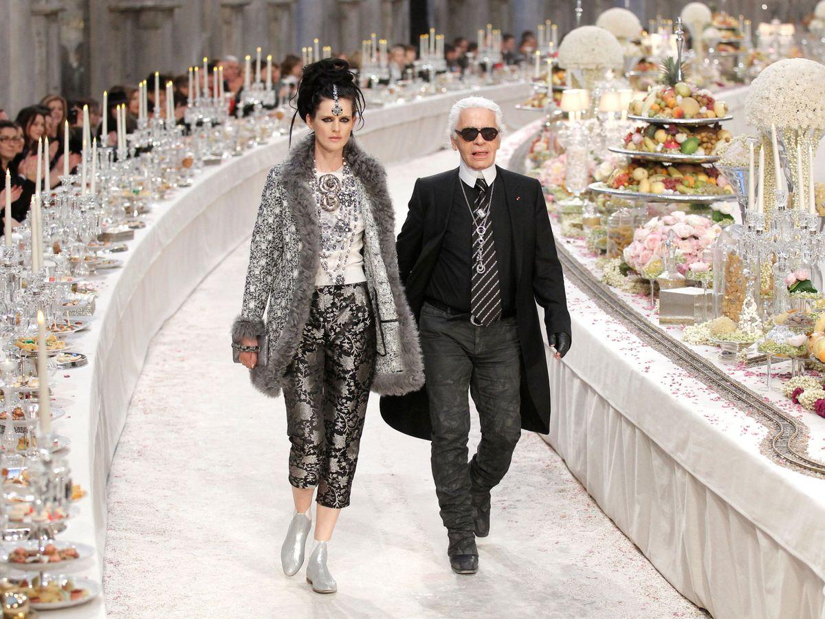 Foto: Stella y Karl, en 2011 en un desfile de Chanel. (Reuters)