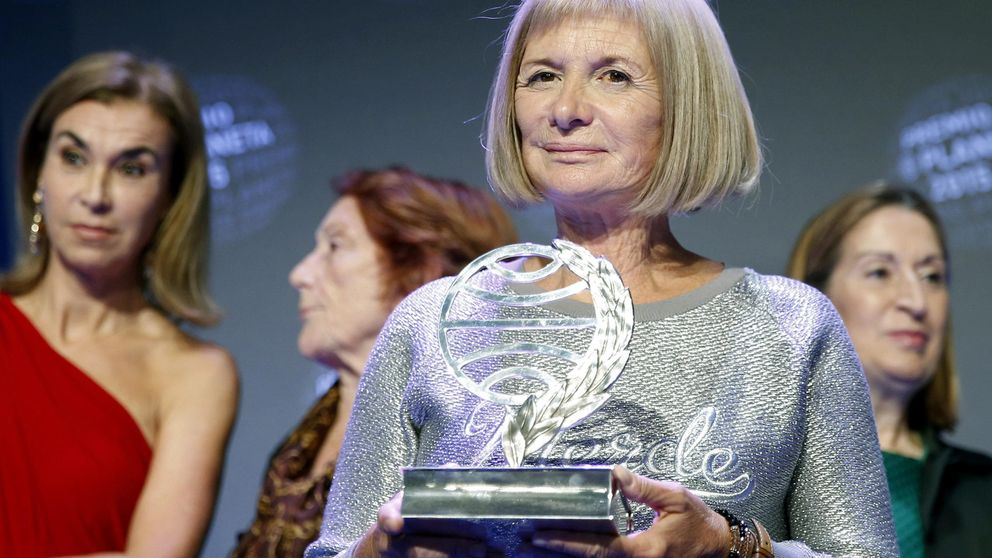 Giménez Bartlett, la gran dama de la novela negra española, gana el Planeta