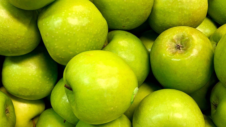 Incluye las manzanas en tu dieta. (Drahomír Posteby-Mach para Unsplash)