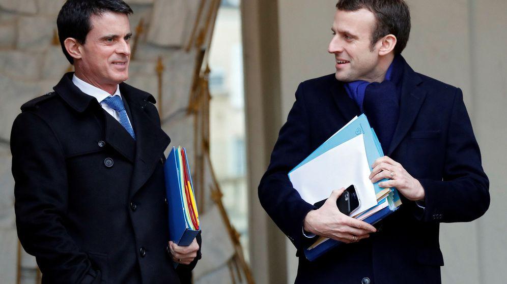 Foto: Imagen de archivo de Emmanuel Macron y Manuel Valls. (Reuters)