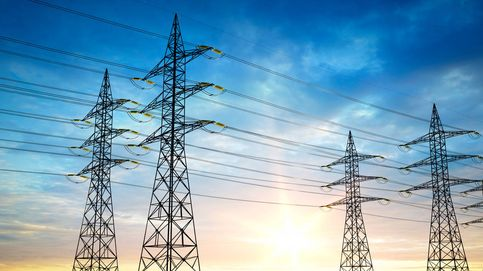 La CNMC ve precipitado cambiar los tramos horarios de la factura de la luz, como pide Podemos