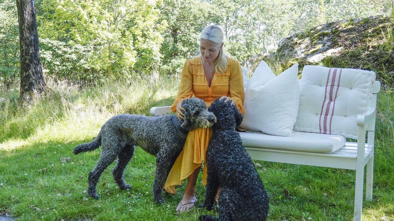 La princesa Mette-Marit, en las imágenes tomadas por su cumpleaños. (EFE)