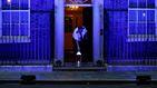 Reino Unido homenajea a sus sanitarios con una gran vela en el 10 de Downing Street