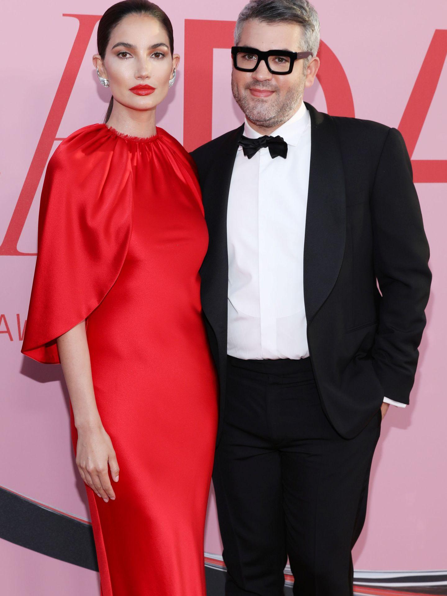 Lily Aldridge y Brandon Maxwell. (Reuters)