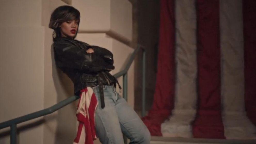 Rihanna, de lo más patriota en el videoclip de 'American Oxygen'