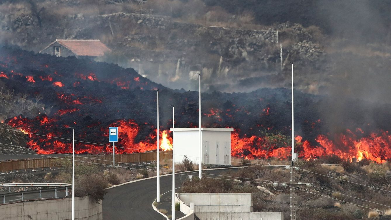 Foto: El avance del volcán en La Palma. (Reuters)