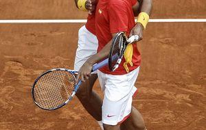 España permanece entre los grandes del tenis mundial tras superar a Ucrania