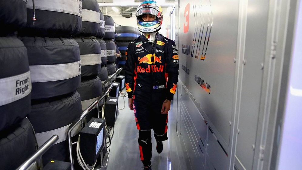 Foto: Ricciardo volvió a sufrir un problema mecánico en su Red Bull. (Twitter: @redbullracing)