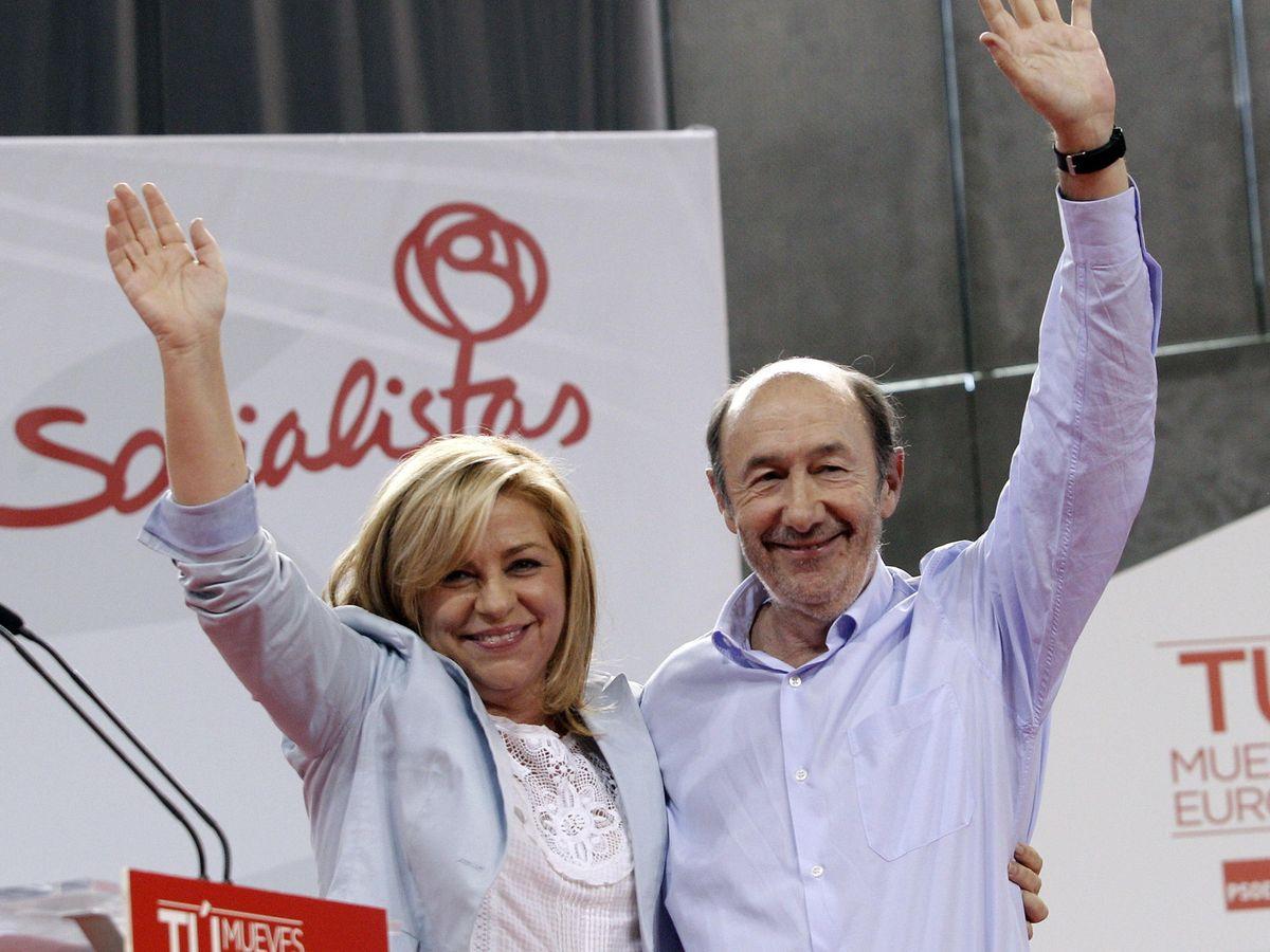 Foto: Elena Valenciano y Alfredo Pérez Rubalcaba, en una imagen de 2014. (EFE)