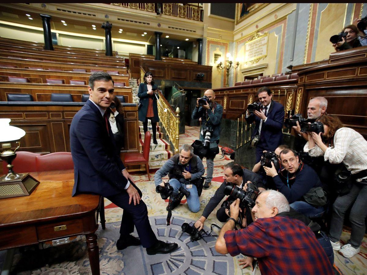 Foto: El presidente del Gobierno, Pedro Sánchez, tras su investidura. (EFE)