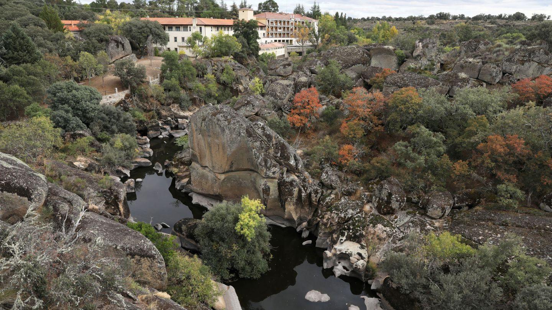 Un spa de Retortillo cerca del lugar donde se alojaría la mina de Berkeley. (Reuters)