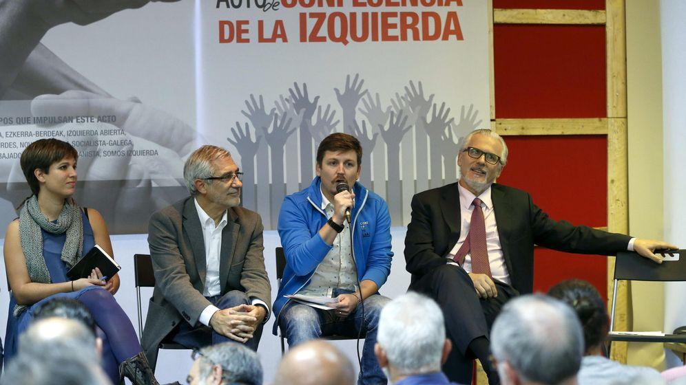 Foto: Baltasar Garzón, Gaspar Llamazares, Beatriz Talegón y el dirigente de Izab, Tasio Oliver, en 2015 durante un acto de la coalición 'La Izquierda'. (EFE)
