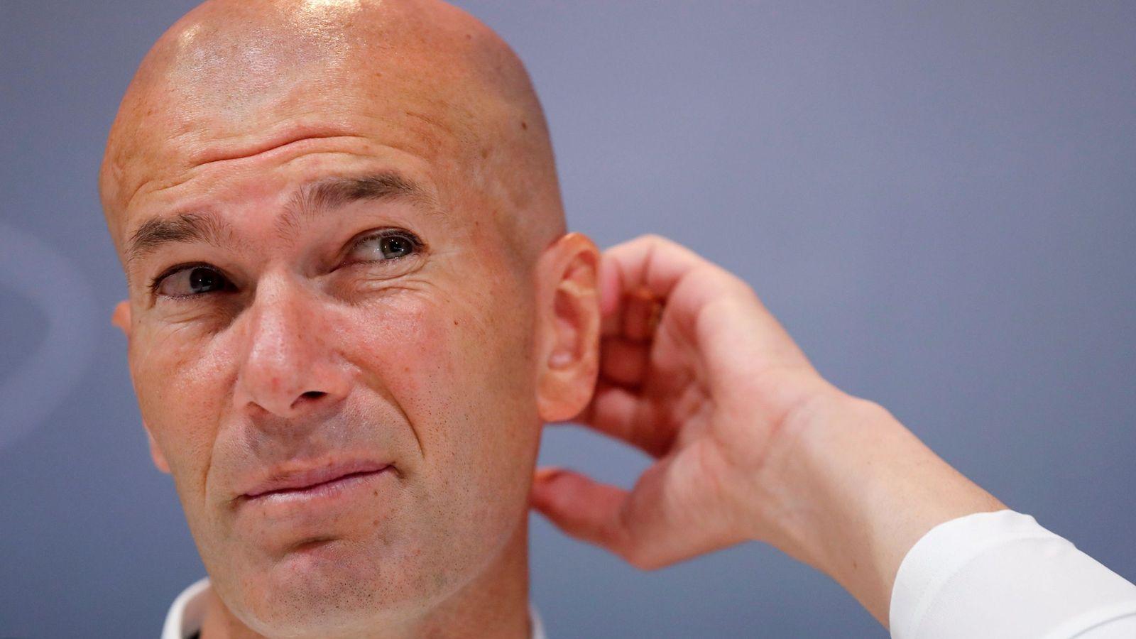Foto: El entrenador del Real Madrid, Zinédine Zidane, durante una reda de prensa. (Efe)
