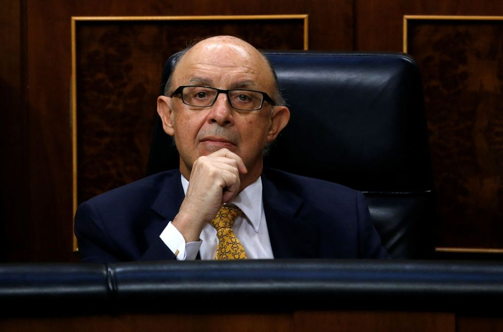 Foto: Cristóbal Montoro, ministro de Hacienda y Función Pública, el pasado 31 de mayo en el Congreso, en el debate de los Presupuestos de 2017. (Reuters)