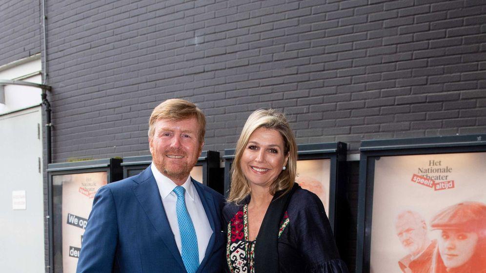 Foto: Máxima y Guillermo, a principios de mes en el Teatro Nacional de La Haya. (EFE)
