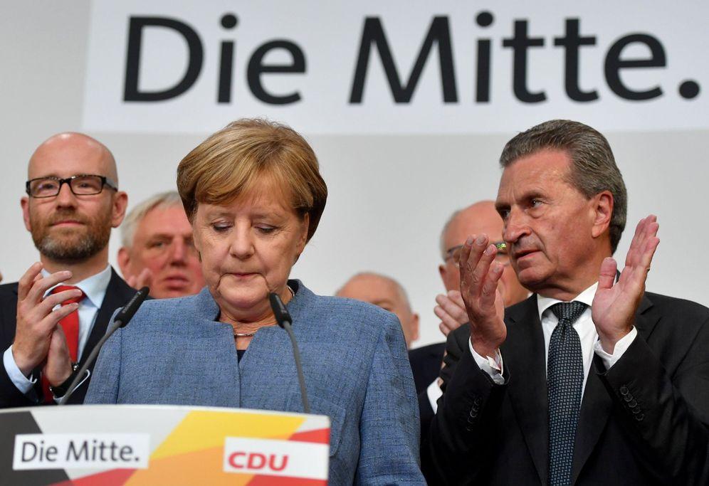 Foto: La canciller alemana, Angela Merkel, en su primera comparecencia tras conocerse los resultados de las elecciones generales. (EFE)