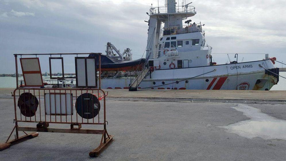 Foto: El barco Open Arms en el puerto de Pozzallo, en Sicilia, el 19 de marzo de 2018. (EFE)