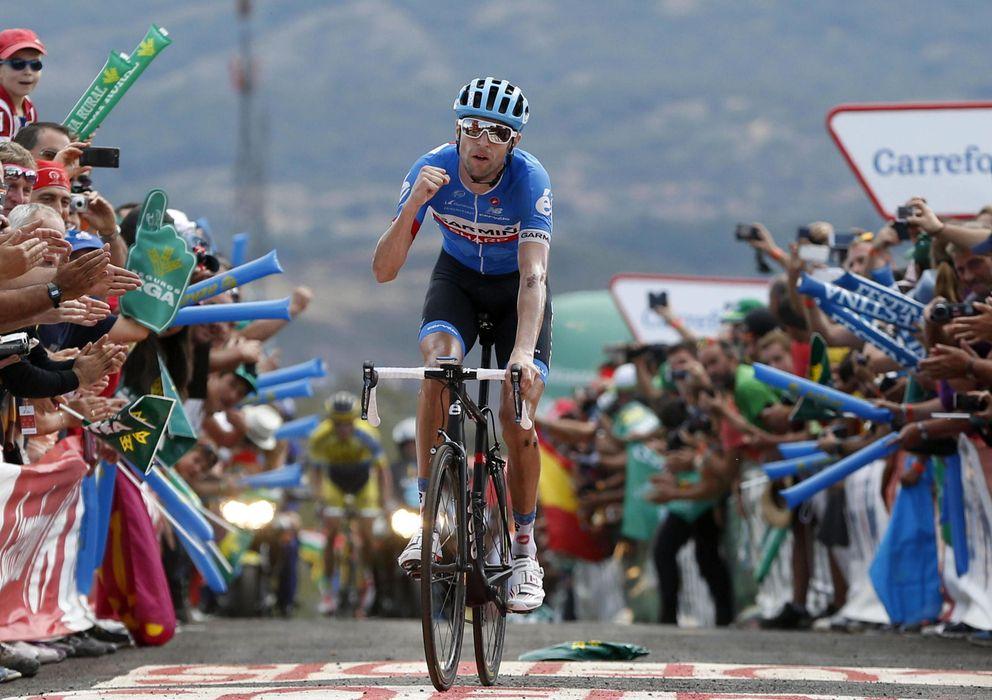 Foto: Hesjedal celebra su triunfo en la decimocuarta etapa de la Vuelta (EFE).