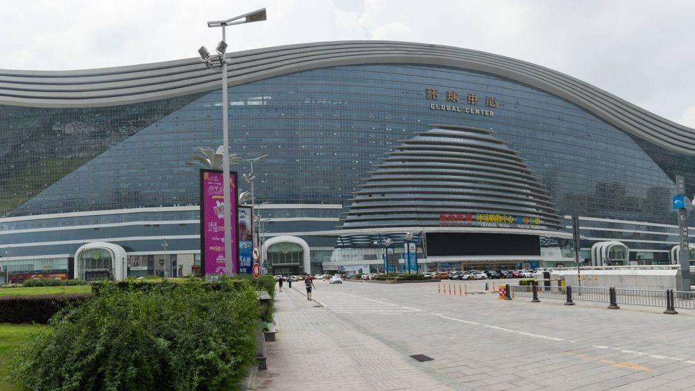 Foto: Con sus casi dos kilómetros cuadrados de superficie, es el edificio más gigantesco del planeta.