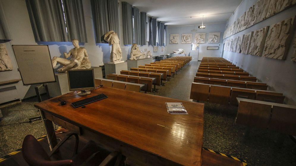 Foto: Aulas vacías en La Sapienza, en Roma (Italia) (EFE)