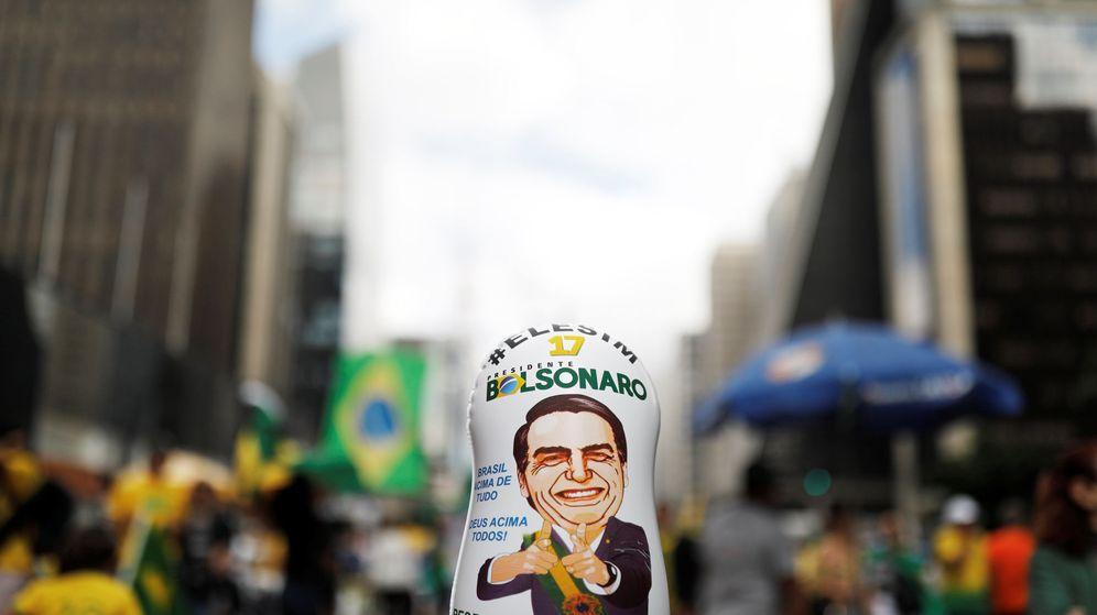 Foto: Un muñeco con la imagen de Jair Bolsonaro. (Reuters)