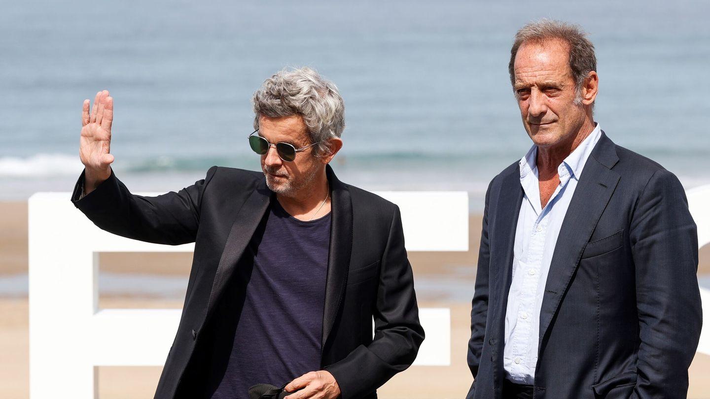 Thierry de Peretti y el actor Vincent Lindon en el Festival de San Sebastián. (EFE)