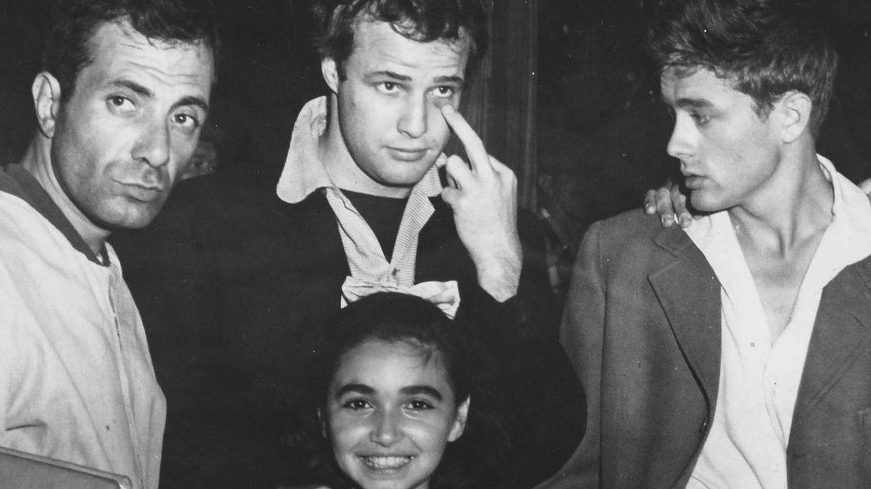 Foto: Marlon Brando junto a James Dean