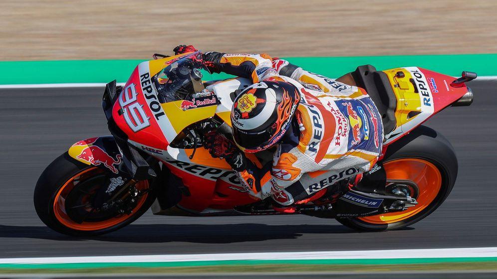 Foto: Jorge Lorenzo, durante la primera sesión de libres en Jerez. (EFE)
