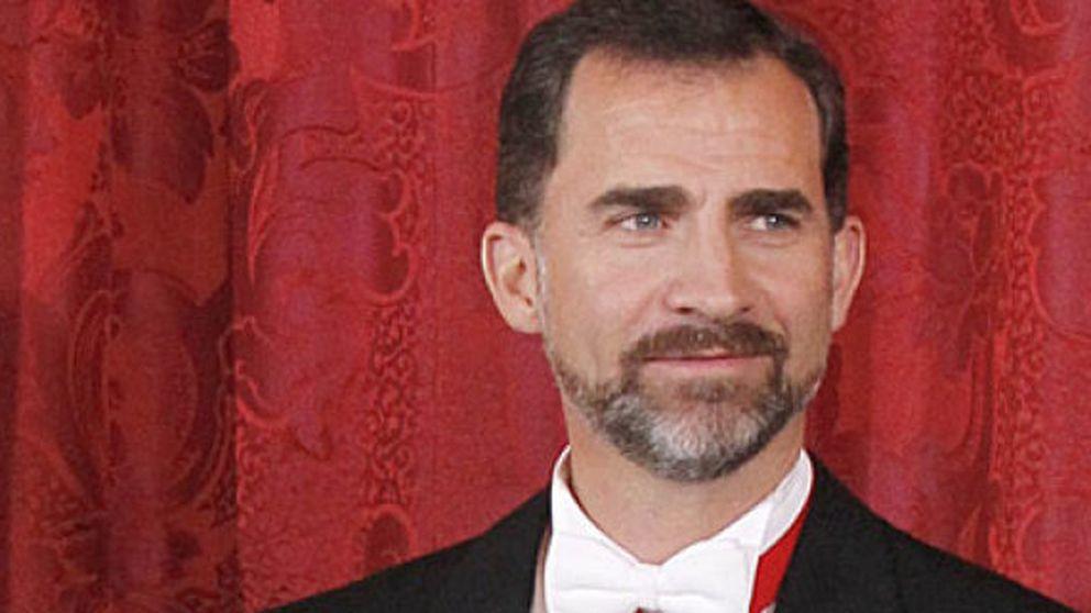 El príncipe se divierte sin Letizia en el cumpleaños de Beltrán Gómez Acebo