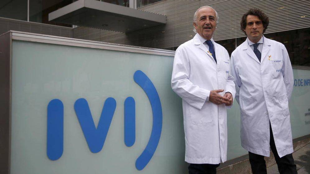 Foto: Los presidentes del grupo IVI, José Remohí (d) y Antonio Pellicer. (EFE)