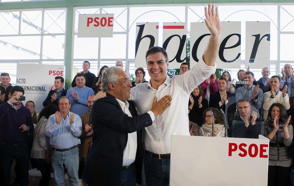 Foto: Pedro Sánchez y António Costa, el pasado 7 de febrero en Badajoz, en un acto de hermanamiento del PSOE con los socialistas portugueses. (EFE)
