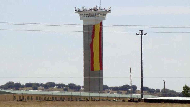 Bandera española en carcel de soto del real