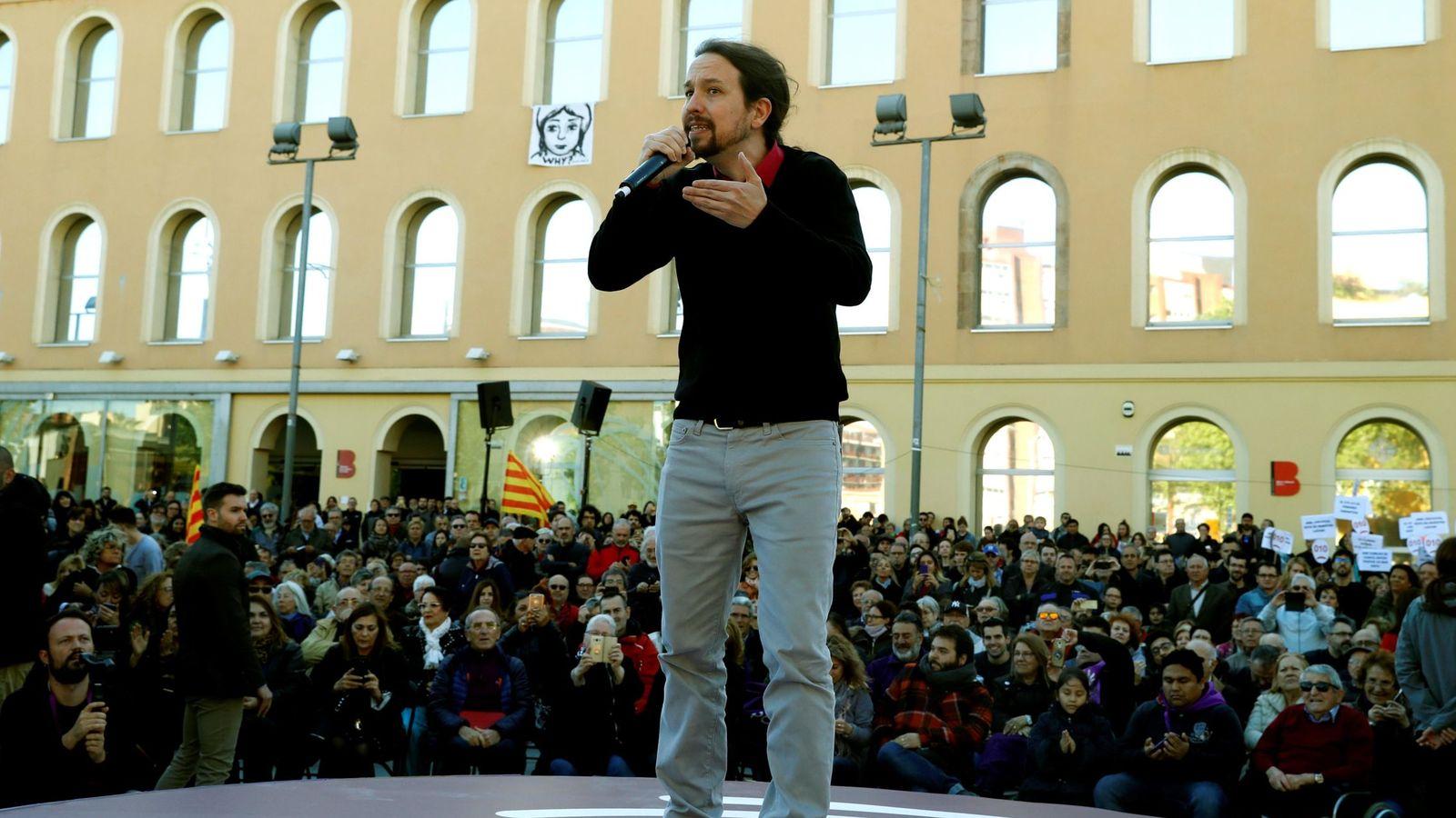 Foto: Pablo Iglesis interviene en el mítin de En Comú-Podem en Barcelona (Efe)