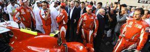 Foto: El jeque de Emiratos Árabes le regala al Rey dos Ferrari valorados en 500.000€