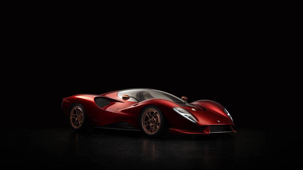 Foto: El nuevo De Tomaso P72 recuerda a los Ferrari de competición de los años setenta.