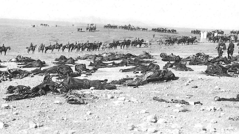 Los restos del Escuadrón de Caballería de Alcántara. Fue una de las pocas unidades que mantuvieron la disciplina en el desastre de Annual.