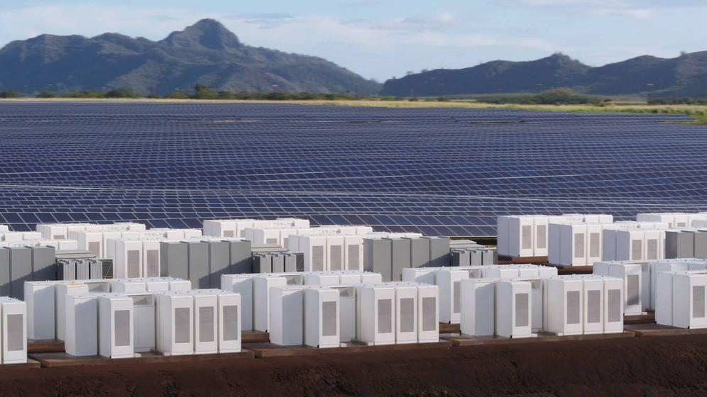 Foto: La instalación cuenta con 272 baterías. (Tesla)