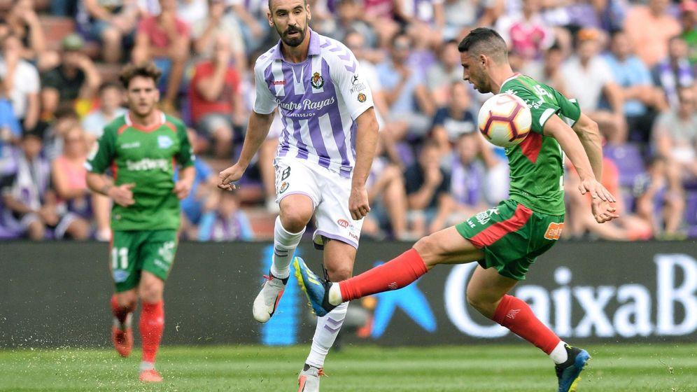 Foto: Borja con la camiseta del Valladolid. (EFE)