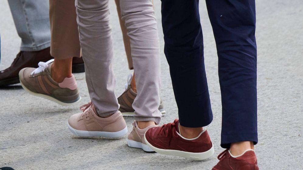 Foto: Las zapatillas de Letizia, Leonor y Sofía en Covadonga. (Limited Pictures)